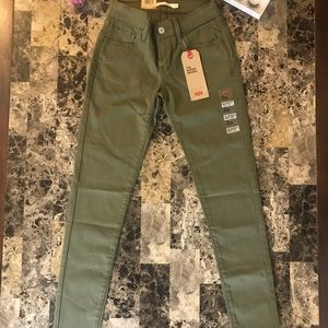 710 Levi's jeans brand new